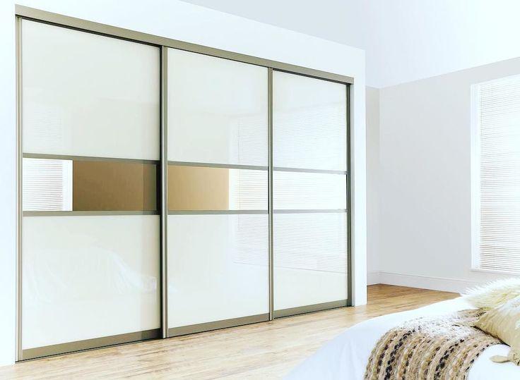 Сейчас существует большой выбор шкафов–купе в спальню❗️  Это отличное решение, если вы хотите максимально сэкономить пространство и в то же время поддерживать порядок. Внешне шкаф смотрится, как обычная стена. Его лицевая сторона будет снабжена зеркалами, то они будут визуально увеличивать пространство в вашей комнате. Кроме того, исчезнет необходимость в установке дополнительного зеркала в спальне ✔️С появлением шкафа – купе в спальне отпадет необходимость во всевозможных комодах и их…