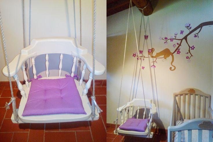 Poltrona/Sedia a dondolo per allattare con effetto amaca costruita recuperando una vecchia sedia in legno e delle corde di canapa...