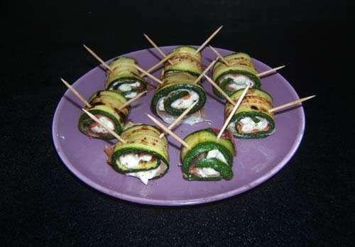 Finger food ricette Involtini di zucchine