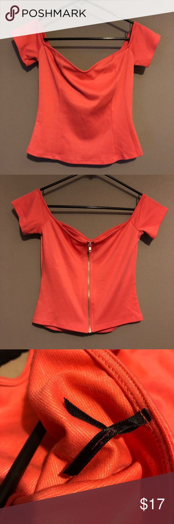 Woman's lulu coral top size medium Woman's lulu coral crop top size medium, purchased online and never worn, new without tags, really cute , sits off shoulders, please reference pictures, feel free to ask questions Lulu's Tops Crop Tops
