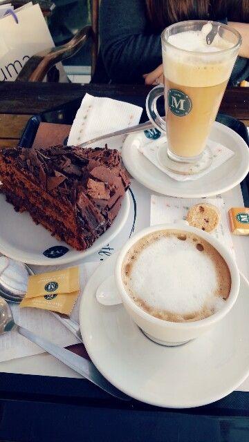 Cafe Martinez coffe cake selvanegra