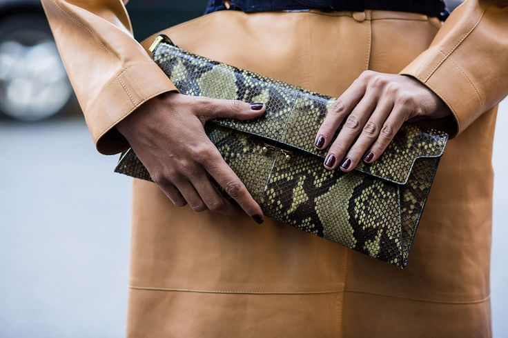 SS16 streetstyle details  animal-printed snakeskin clutch light brown leather coat