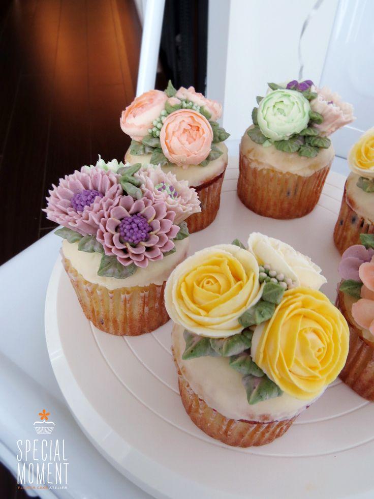 Vanilla chocolate flower buttercream cupcake for friends wedding cupcakes cupcake decorating - Creme decoration cupcake ...