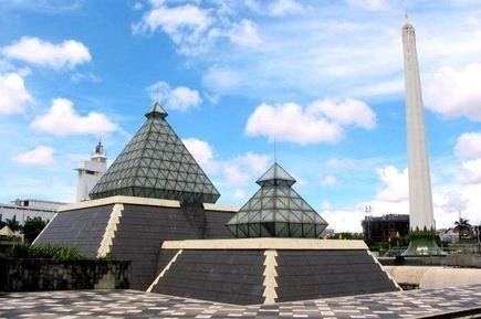 Tugu Pahlawan - Surabaya