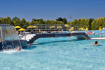 bazénový komplex ve Valaltě