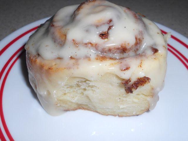 ooey gooey delicious Cinnabon rolls at home! #copycat #breakfast Rolls ...