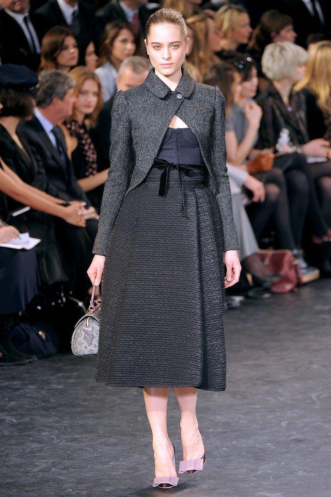 Louis Vuitton Fall 2010 Ready-to-Wear Fashion Show - Vanessa Hegelmaier