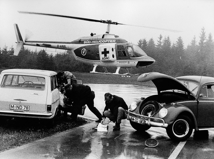 ie ADAC Luftrettung wurde 1970 gegründet, war aber bereits ein Jahr später nach einem tragischen Hubschrauberunfall von der Abschaffung bedroht. Doch die Mitglieder ermunterten den ADAC zum Weitermachen, gaben sogar Geldspenden in der ADAC-Zentrale ab. Und es ging weiter: Allein 2012 flogen unsere 49 Rettungshubschrauber 49.243 oftmals lebensrettende Einsätze.