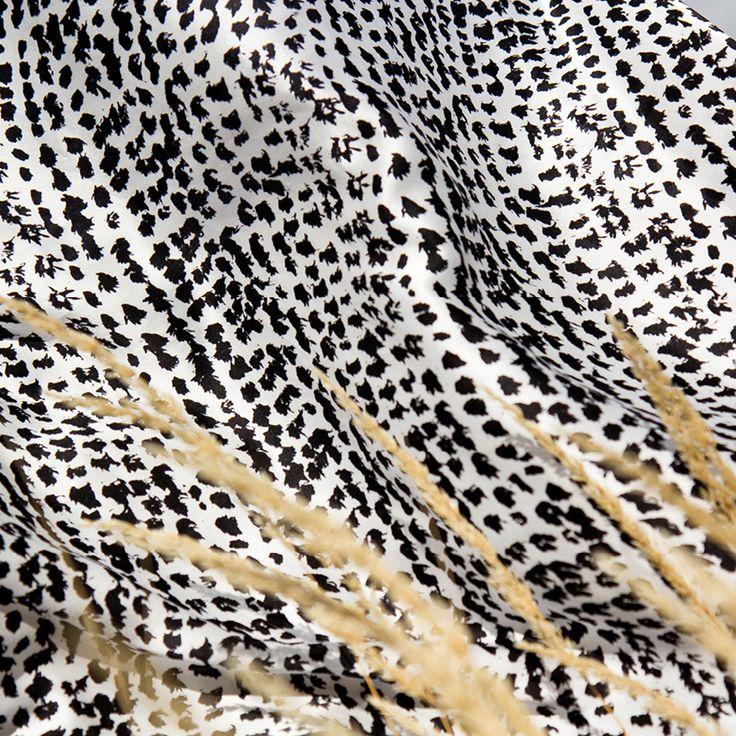 silk scarf-style-accessory-fashion