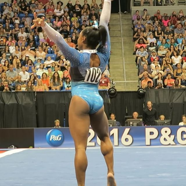 Yes, @simonebiles we caught the wink ;) hahaha love it! Check out the full video on YouTube! Link in bio above ☝🏻️#stlouis2016 #olympics #gymnastics
