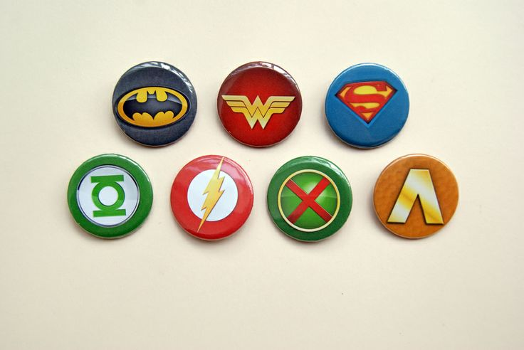 Remember the beginnings of one of the most beloved supergroups with this set composed of the seven symbols of the original JLA members!  Each one of them measures 1.5 inches (38mm) and are ready to wear wherever you want. They are sent to you protected by a bubble wrap envelope, so they are rea...
