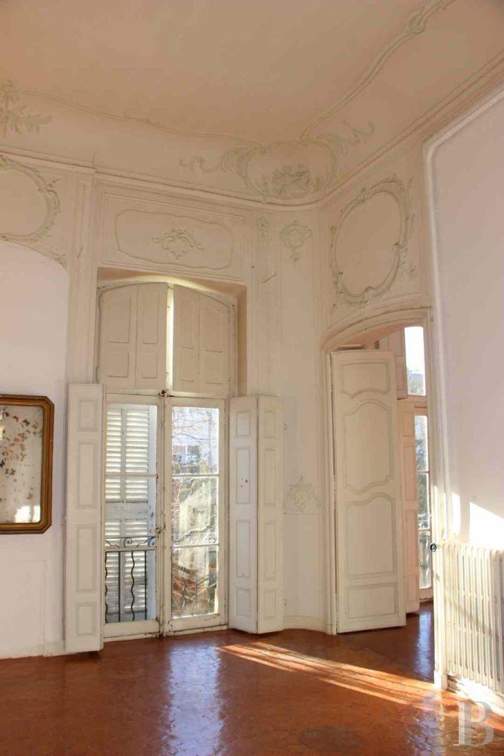 Au coeur d'un quartier historique et bourgeois d'Aix-en-Provence, un lumineux appartement dans un hôtel particulier du 18e S. - immobilier prestige - paca - Patrice Besse Châteaux et Demeures de France, agence immobilière spécialisée dans la vente de châteaux, demeures historiques et tout édifice de caractère