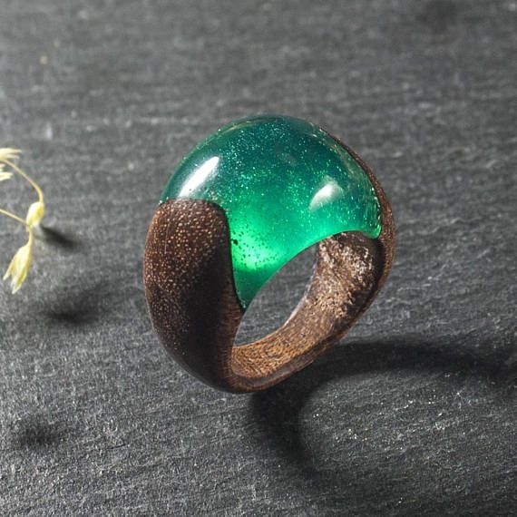 Resin and mahogany ring  size  US 8