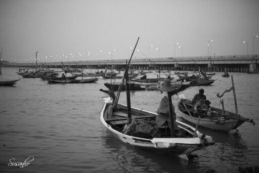 Perahu di Suramadu