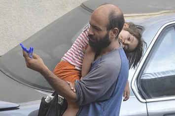 People Found This Syrian Man After His Photo Went Viral And Raised $50,000 In Donations