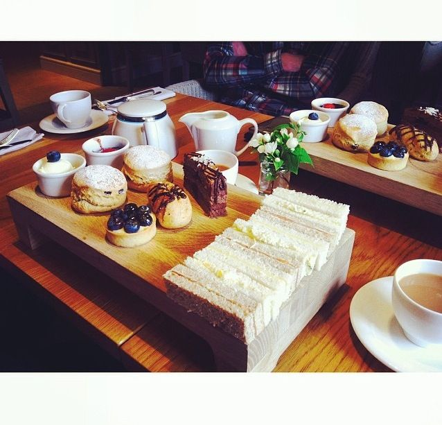 Afternoon tea with my family in the Cotswolds