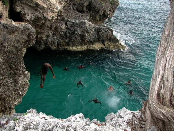 Last Cliff Jumper, Ricks Cafe in Negril, Jamaica (June 15, 2004) danlim
