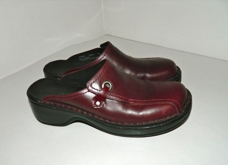 Women's Clarks Burgundy Red Leather Mules Clogs Shoes Slides Size 7 M # Clarks #Mules