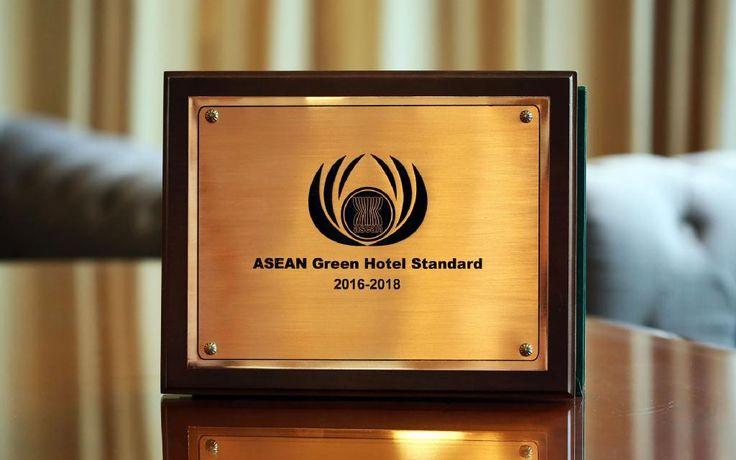 ASEAN Green Hotel 2016 Plaque-s.jpg