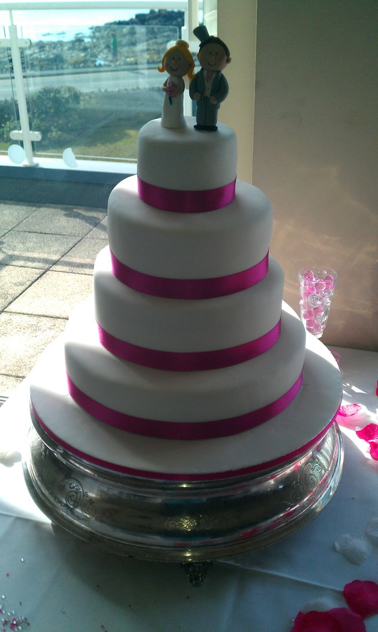 Wedding Cakes With Ribbon Pictures