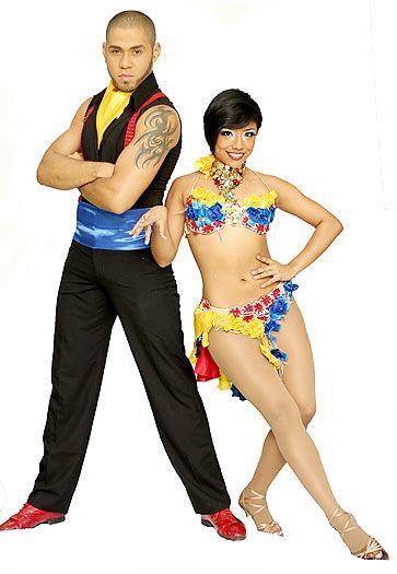 Bailarines de la Comuna 20 llevarán la salsa caleña a Israel Diez integrantes de la escuela de baile Danza Latina fueron seleccionados para actuar en uno de los mayores espectáculos de Israel, donde serán embajadores de la salsa caleña durante un año.