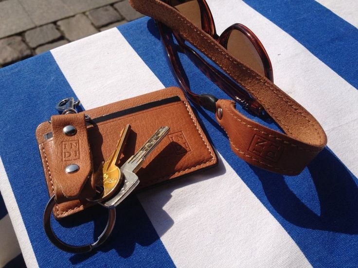 Summer  Leather keychain 9 € , wallet 21,5 € and strap for sunglasses 21,5 €