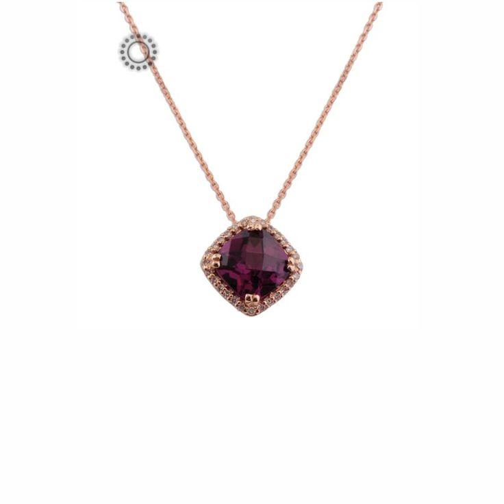 Ένα πολύτιμο κολιέ από ροζ χρυσό Κ18 με κεντρικό ρόμβο μωβ αμέθυστο & μικρά διαμάντια περιμετρικά   Κολιέ με ορυκτές πέτρες ΤΣΑΛΔΑΡΗΣ στο Χαλάνδρι #μωβ #αμέθυστος #διαμάντια #κολιέ