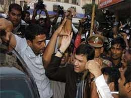 """Akbaruddin Owaisi questioned for """"hate speech"""" for fourth day"""