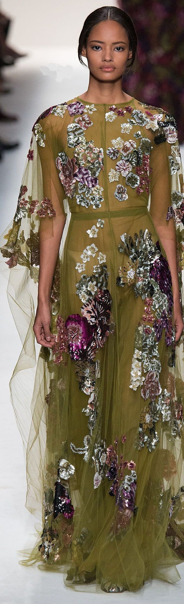 Valentino Autumn/Winter 2014 Ready-To-Wear show report