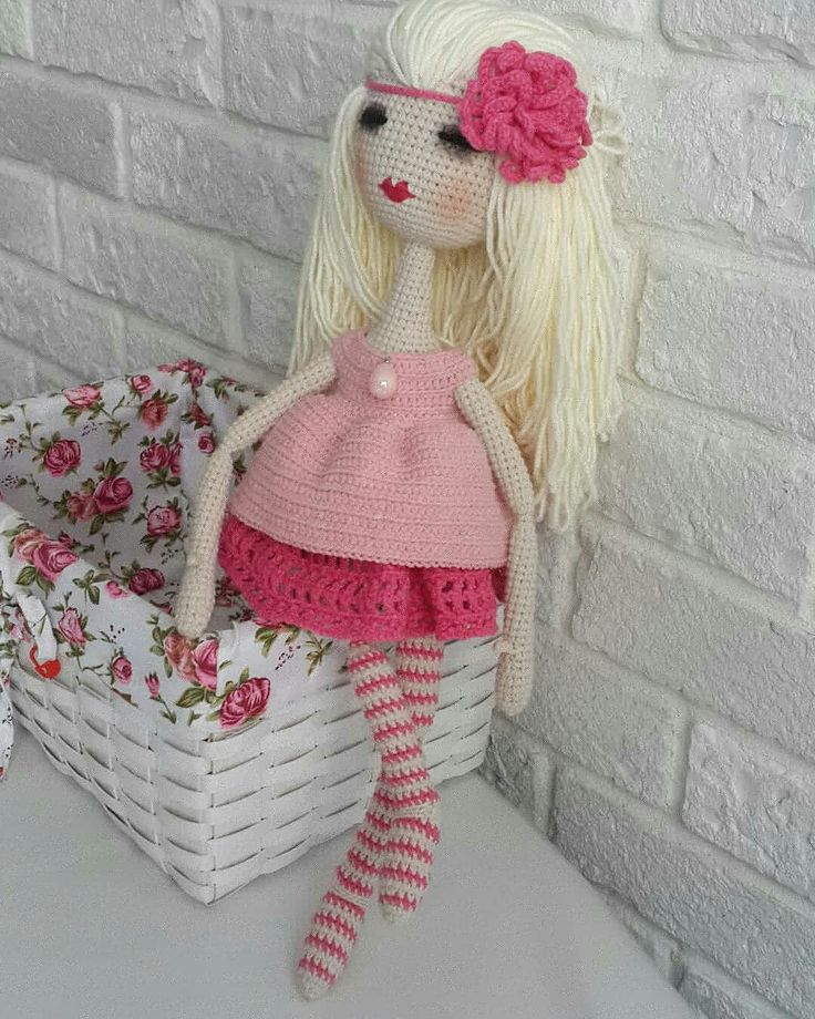 Странная и очень красивая девочка Бэлла  Связана по МК @anzhela_toylesson