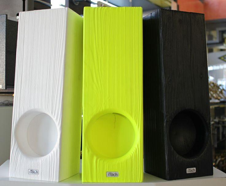 Itòch, amplificatori di design in legno per Iphone e Ipod.