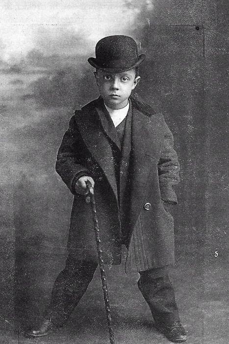 Buster Keaton, 1902.