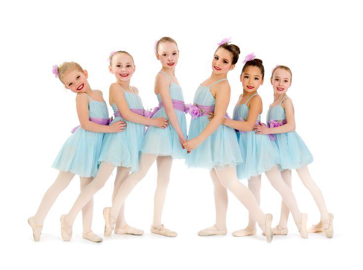 Leggerezza, delicatezza, sogno e melodia, questo è la Danza classica per le piccole ballerine in erba: un esercizio nel pieno rispetto di un corpo in crescita, un movimento leggiadro, principesco. http://www.spazioaries.it/Upload/DynaPages/DANZA-CLASSICA.php.  #danzaclassica #danza #classica #balletto #bambine #bimbi #lezioni #corsi