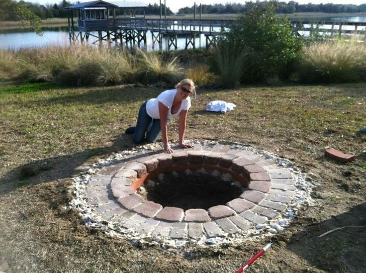 17 best images about outdoor fire pit on pinterest fire for Easy backyard fire pit