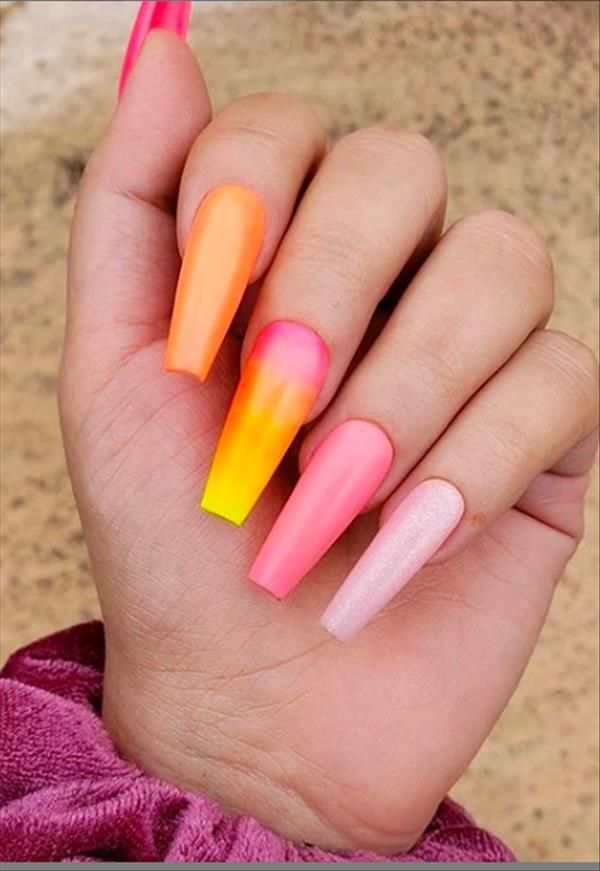 40 Graceful Acrylic Coffin Nail Designs For Long Nails And Short Nails The First Hand Fashion News For Females In 2020 Long Acrylic Nails Long Nails Coffin Nails Designs