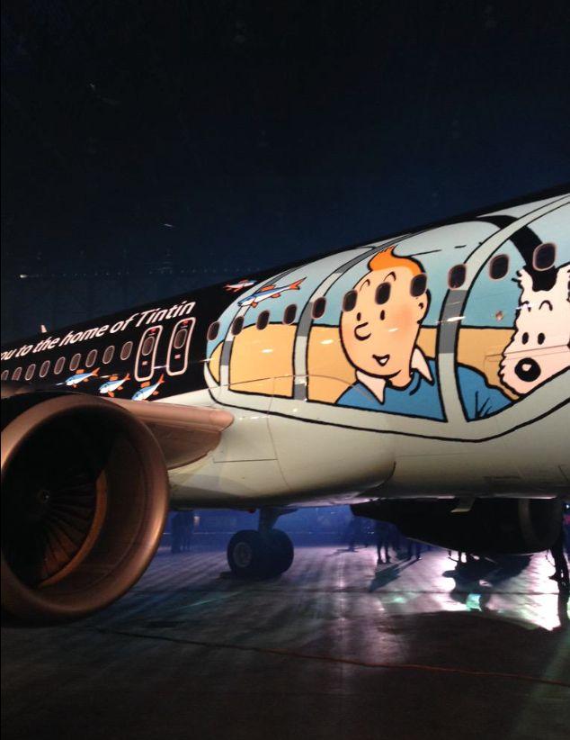 (Photo: Airbus A320 Rackham de Brussels Airlines (livrée Tintin) – © Brussels Airlines) En partenariat avec Moulinsart, Brussels Airlines a dévoilé le 16 mars 2015 à l'aéroport de Bruxelles un Airbus A320 aux couleurs de Tintin. Immatriculé OO-SNB, l'appareil est baptisé Rackham. Il présente le célèbre reporter aux commandes du sous-marin requin qu'il pilote dans l'album « Le Trésor de Rackham le Rouge »