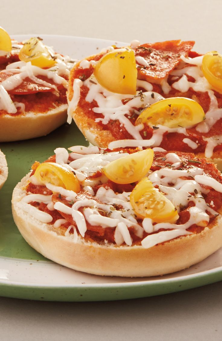 Quick & Easy Pizza Bagels: Let your kids build their own mini pizzas with Thomas' Plain Mini Bagels, tomato sauce, cheese and their favorite toppings.