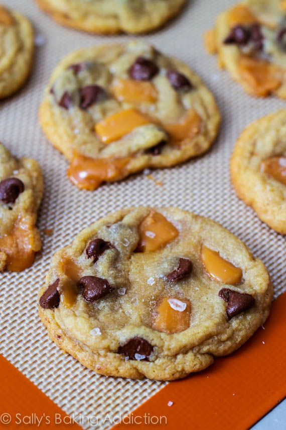 Caramel chocolate chip cookies <3