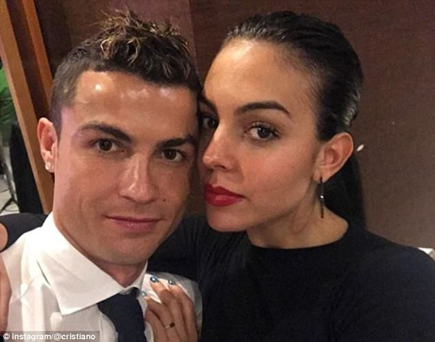 Cristiano Ronaldo celebrated with his family and his girlfriend, Georgina Rodriguez...