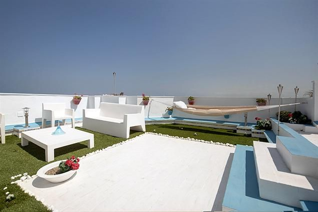 The Handle 2 Apartment in #Valencia, up to 10 people, from 42€/night! In front of the beach!