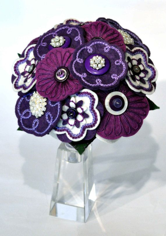 Viola crema e bouquet da sposa di perle / di CharlieLaurieDesigns