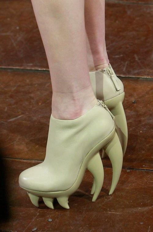 I think @Jennifer Lawson needs these shoes.
