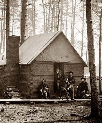 Rare Photos of US Civil War This is a winter quarters cabin built by the soldiers to house themselves over the rough winter months.