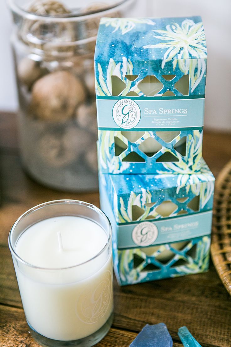 Greenleaf's Spa Springs fragrance: Aquatic notes are brightened with bergamot and green tangerine and balanced with musk and amber in a refreshing blend.