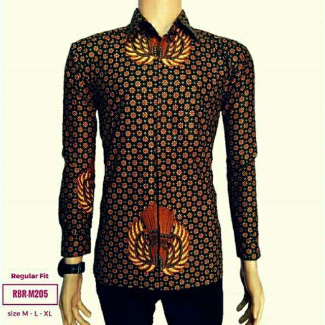 Saya menjual Baju Batik Pria Lengan Panjang RBR-M205 seharga Rp68.000. Dapatkan produk ini hanya di Shopee! https://shopee.co.id/rumahbatikrayana/537841363 #ShopeeID
