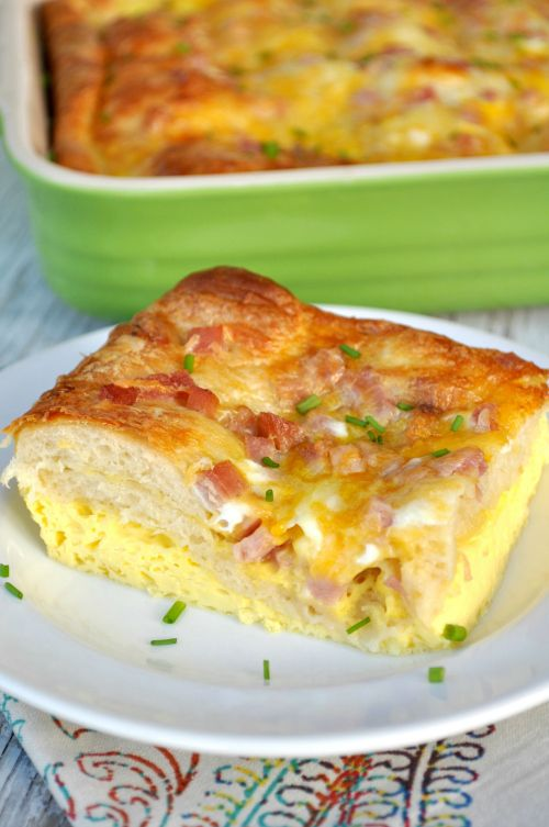 Cheesy Crescent Roll Breakfast Casserole | Buttery crescent rolls go so well with the melted cheese!