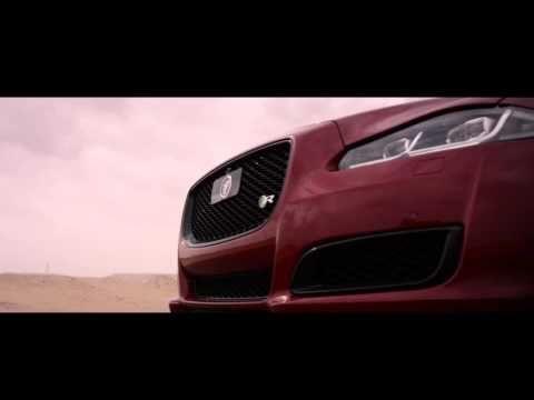 Реактивний ранець обігнав спорткар Jaguar XJ XJ Versus the Jetman - YouTube