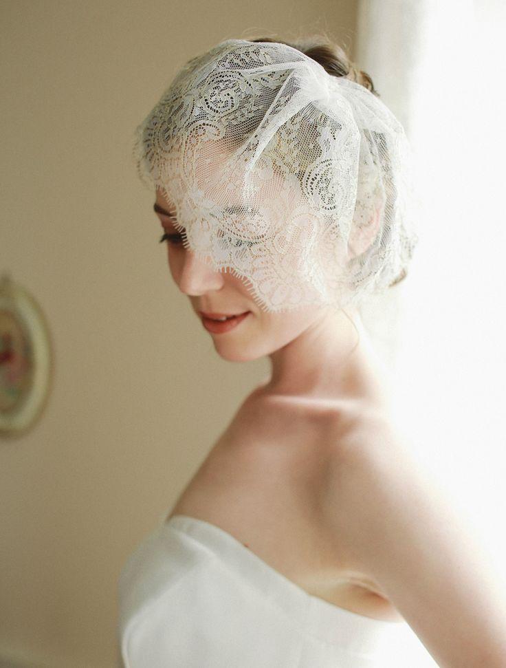 Scalloped lace blusher