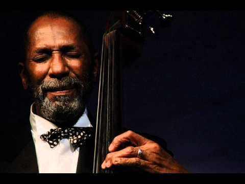 Ron Carter (born May 4, 1937) is an American jazz double-bassist. His appearances on over 2,500 albums make him one of the most-recorded bassists in jazz history, along with Milt Hinton, Ray Brown and Leroy Vinnegar. Carter is also an acclaimed cellist who has recorded numerous times on that instrument.    Ron Carter est un contrebassiste de jaz...