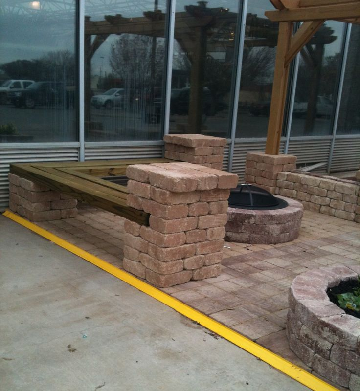 Backyard Seating Area Around Fire Pit Things To Build